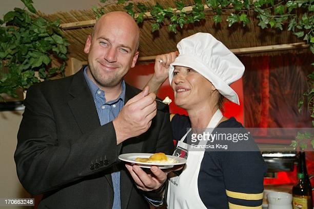 Schauspielerin Suzanne Von Borsody Freund Jens Schniedenharn Beim Davidoff Cooking For Friends