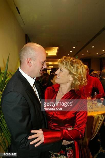 Schauspielerin Suzanne Von Borsody Mit Freund Jens Schniedenharn Beim Gala Abend Dvd Night Im Arabella Sheraton In München Am 301003