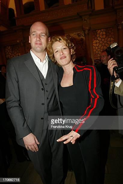 Schauspielerin Suzanne Von Borsody Und Freund Jens Schniedenharn Bei Premiere Leo Claire In Nürnberg Am 160402