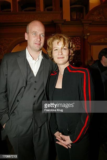 """Schauspielerin Suzanne Von Borsody Und Freund Jens Schniedenharn Bei Premiere """"Leo & Claire"""" In Nürnberg Am 160402"""