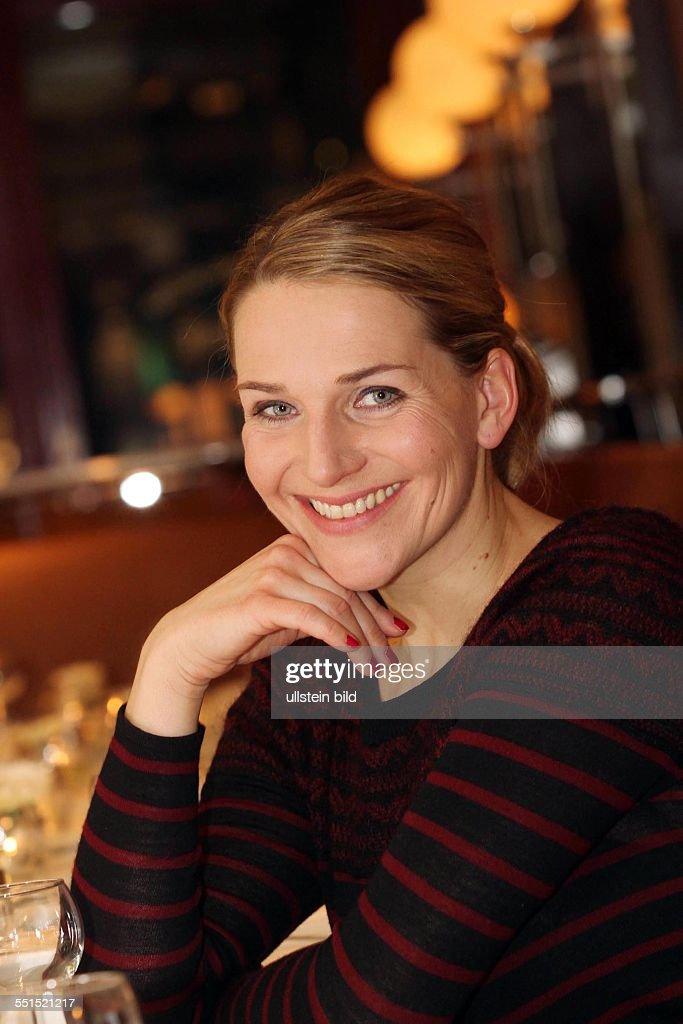 Schauspielerin Tanja Wedhorn sielt in der Komödie am