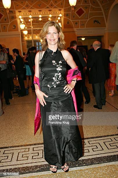 Schauspielerin Ursula Buschhorn Bei Der Verleihung Des 17 Bayerischen Fernsehpreis Im Prinzregententheater In München Am 030605