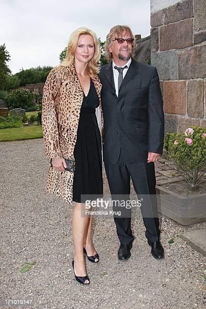 Schauspielerin Veronica Ferres Mit Ehemann Martin Krug Bei Der Kirchlichen Hochzeit Von Andreas_Fritzenkötter Und Elisabeth_Fritzenkötter In Der...