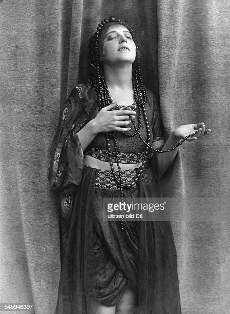 SchauspielerinRollenporträt veröffentlicht Dame 24/1917Foto Becker Maaß