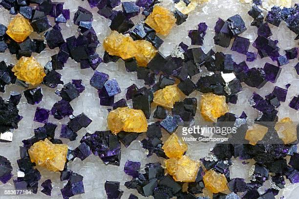 scheelite with fluorite on quartz crystal - fluorite stock pictures, royalty-free photos & images