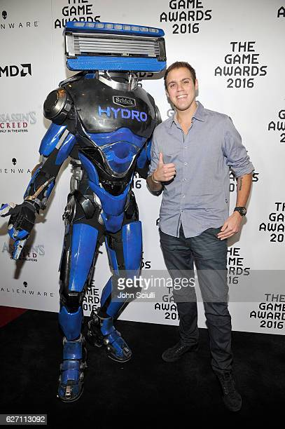 Schick Hydro's superhero, Hydrobot, helped rescue fans from shaving irritation at The Game Awards with Kevin van der Kooi in Los Angeles on December...