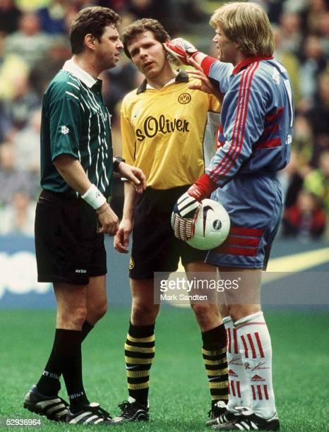 2 Schiedsrichter HEYNEMANN Andreas MOELLER/Dortmund und Torwart Oliver KAHN/Bayern