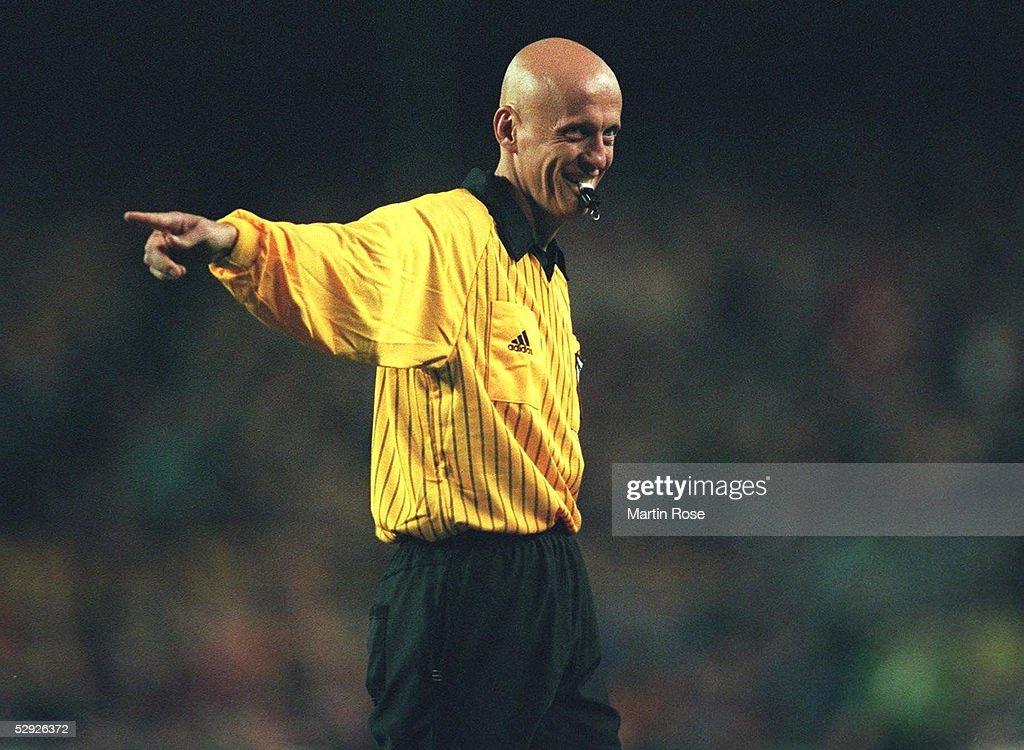 2; Schiedsrichter Pierluigi COLLINA/ITA