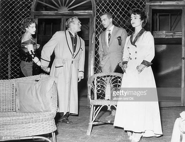 Schieske Alfred *Actor Germany vltr Ingeborg Weirich A Schieske Ricklef Müller und Ida Krottendorf inthe stage play `Cat on a Hot Tin Roof` 1955