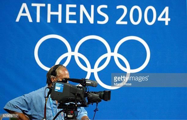 Schiessen Olympische Spiele Athen 2004 Athen Luftgewehr 10m / Frauen Finale Medien TVKamera 140804