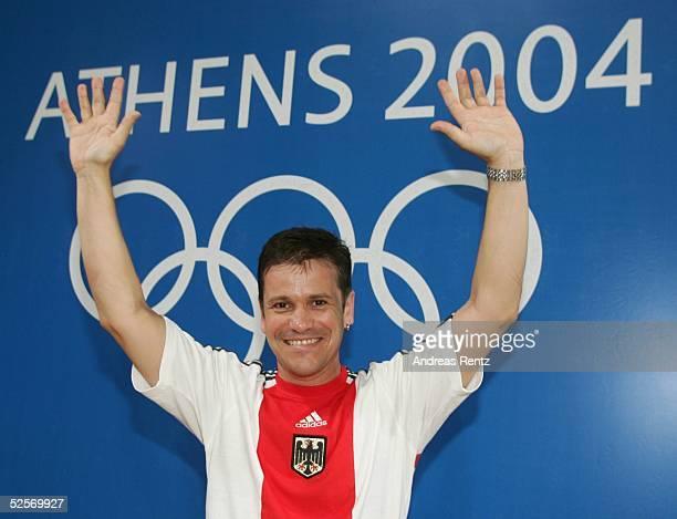Schiessen: Olympische Spiele Athen 2004, Athen; Schnellfeuerpistole 25m / Maenner; Ralf SCHUMANN / GER gewinnt GOLD / Sieger 21.08.04.