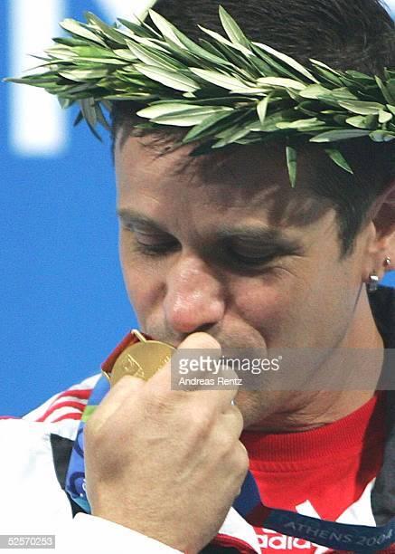 Schiessen Olympische Spiele Athen 2004 Athen Schnellfeuerpistole 25m / Maenner Ralf SCHUHMANN / GER gewinnt GOLD / Sieger 210804