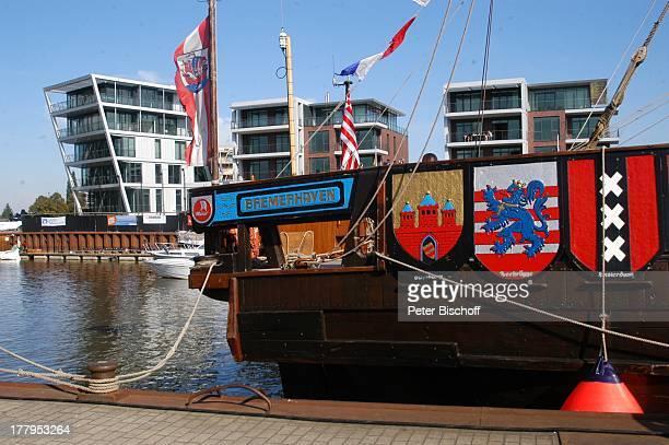 Schiff Bremerhaven bei Feier zu 750 Jahre Stapelrecht Stadthafen Stade Niedersachsen Deutschland Europa Hafen Reise