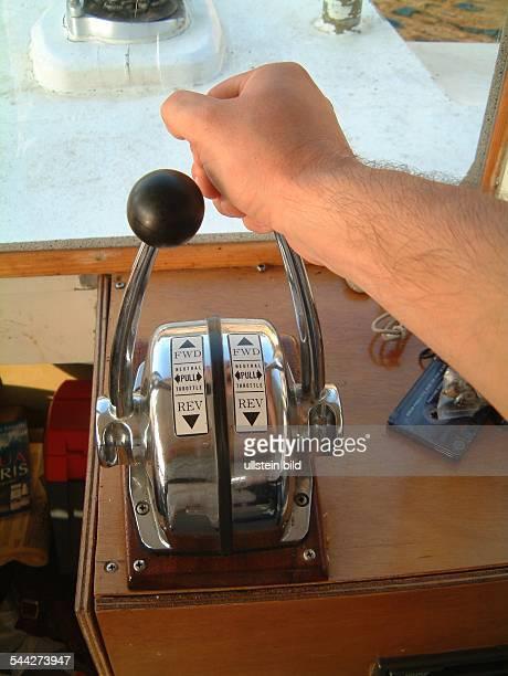 Schifffahrt Bootsführer Steuerung eines Bootes
