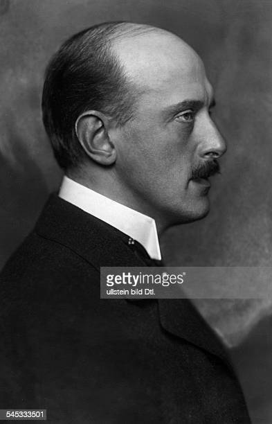 Schillings Max von Composer Conductor Theater manager Germany*19041868President of the Prussian Academy of Art Portrait ca 1915 Photographer Nicola...