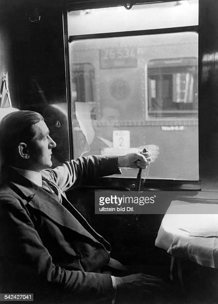 Schlafwagen der Mitropa mit einer neuen Hebelvorrichtung zum Öffnen der Fenster 1931
