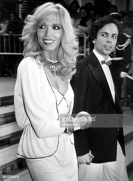 Schlagersängerin, GB- mit Ehemann Alain-Philippe Malagnac1979