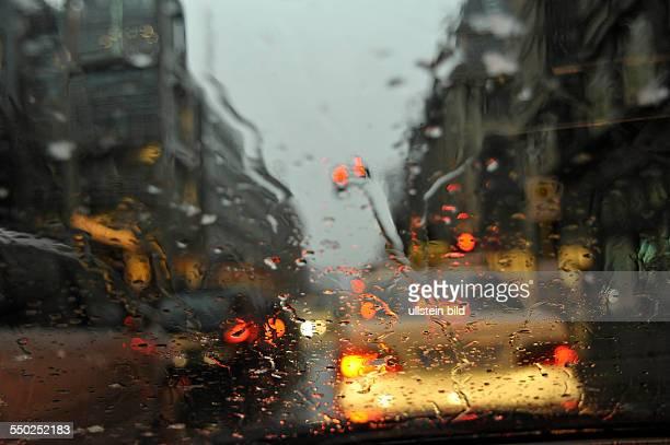 Schlechte Sicht für Autofahrer im Regen