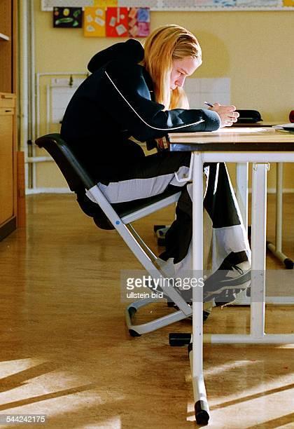 Schülerin des Reintegrationsobjekt für Schulverweigerer in der JeanPiagetOberschule in Berlin Hellersdorf