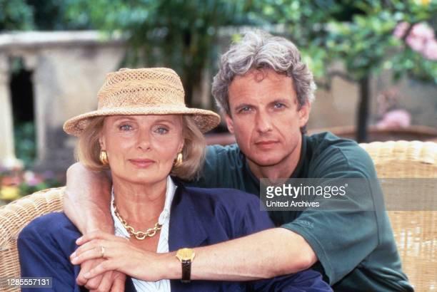 Schloß Hohenstein - Irrwege zum Glück, Fernsehserie, Deutschland 1992 - 1995, Darsteller: Ruth Maria Kubitschek, Mathieu Carriere.