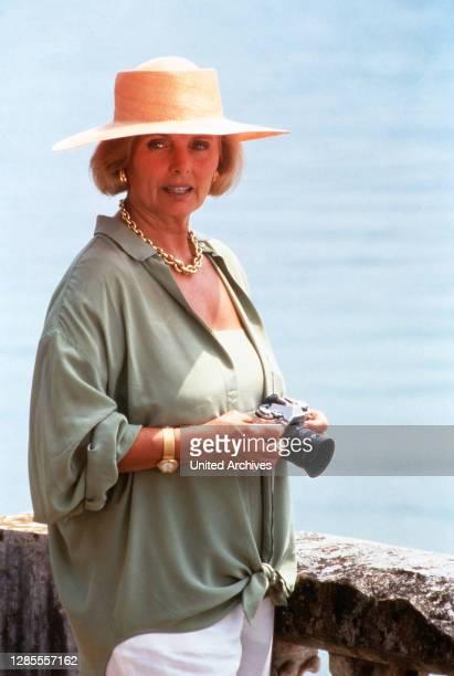 Schloß Hohenstein - Irrwege zum Glück, Fernsehserie, Deutschland 1992 - 1995, Darsteller: Ruth Maria Kubitschek.