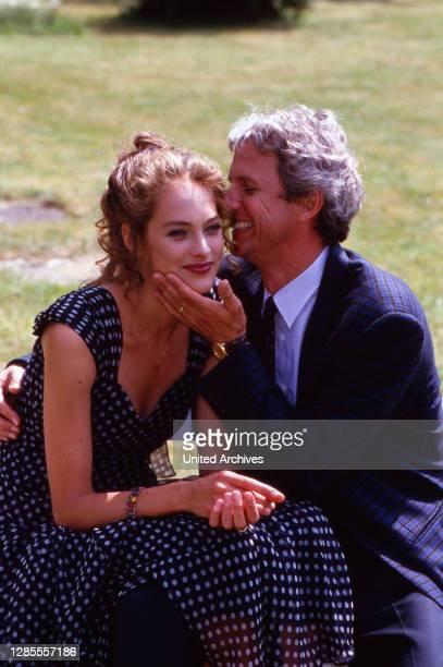 Schloß Hohenstein - Irrwege zum Glück, Fernsehserie, Deutschland 1992 - 1995, Darsteller: Sophie von Kessel, Mathieu Carriere.