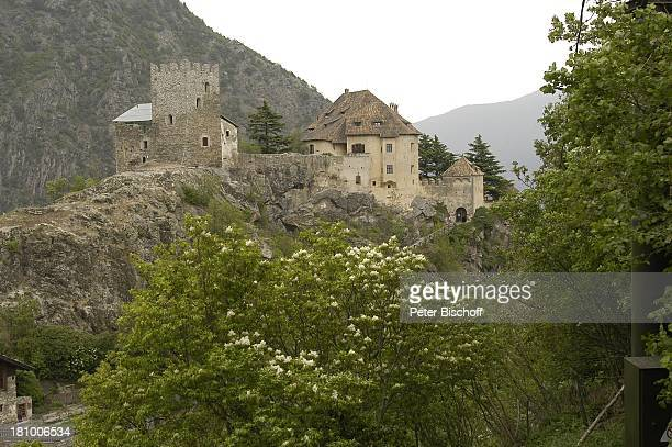 """Schloss Juval, ARD-Reihe: """"Kein schöner Land"""", Titel:""""Meran und der Vinschgau"""", Südtirol/Italien, , Berge, Natur, Promis, Prominente, Prominenter,"""
