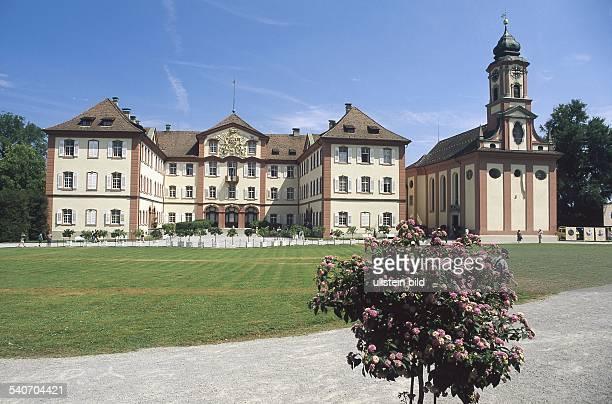 Schloss Mainau und Schlosskirche, Bodensee, 1739-1746 erbaut von Johann Caspar Bagnato: Insel und Schloss fielen 1928 im Erbgang an das schwedische...