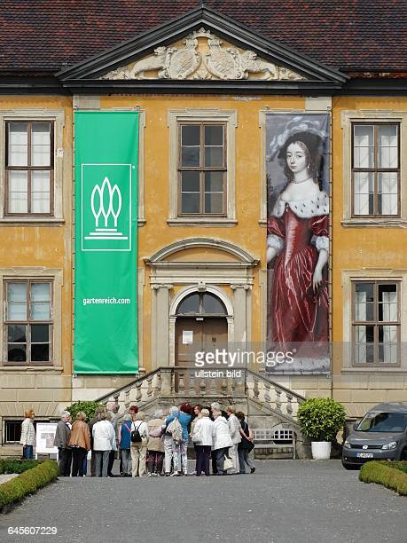 Schloss Oranienbaum - Schloss Oranienbaum ist zusammen mit dem umgebenden Park und der architektonischen Einbeziehung der Stadt ein einzigartiges...