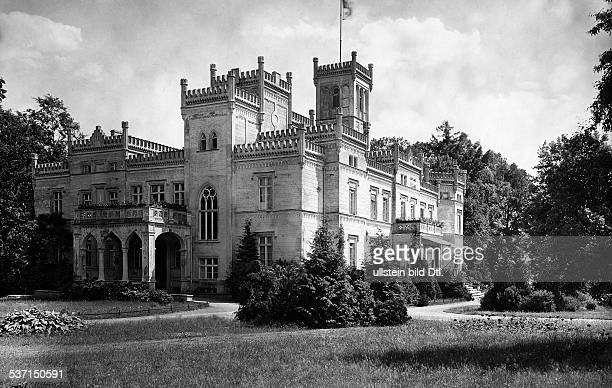 Schloss Seeläsgen in der Neumark Vorder und Seitenansicht erschienen Dame 21/1917 Foto Waldemar Titzenthaler