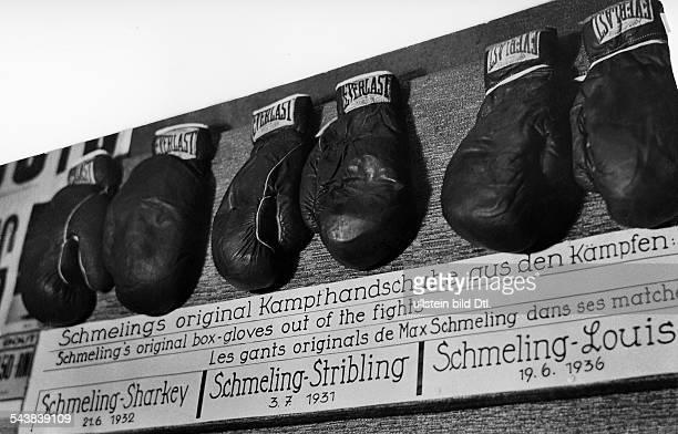 Schmeling Max Boxer Germany* original box gloves out of he fights SchmelingSharkey SchmelingStribling and SchmelingLouis Photographer Heinz Fremke...