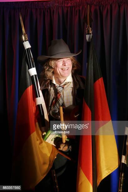 Schneider Helge Musiker Saenger Komiker Comedian D anlaesslich Pressekonferenz zu seiner Show 'Buxe voll' in Berlin