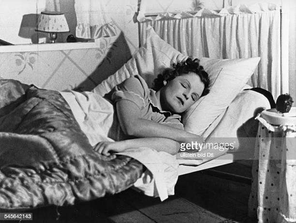 Schneider, Magda *-+Schauspielerin, D- Filmbild- 1937veröffentlicht: Berliner Illustrierte Zeitung 19/1937Foto: Rene Fosshag