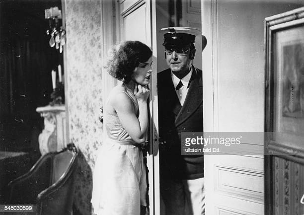 Schneider, Magda - Actress, Germany - *-+ Scene from the movie 'Zwei in einem Auto' - with Richard Romanowsky Directed by: Joe May Germany 1932...