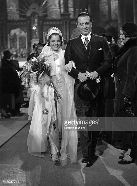 Schneider, Magda - Actress, Germany - *-+ Scene from the movie 'Frauenliebe - Frauenleid' - with Ivan Petrovich Directed by: Augusto Genina Germany...