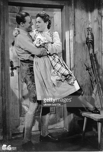 Schneider, Magda - Actress, Germany - *-+ Scene from the movie 'Ein Mann gehoert ins Haus' - with Paul Richter Directed by: Hubert Marischka Germany...