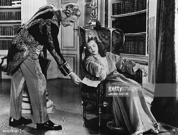 Schneider Romy Actress Germany * Scene from the movie 'Maedchenjahre einer Koenigin' with Karl Ludwig Diehl Directed by Ernst Marischka Austria 1954...