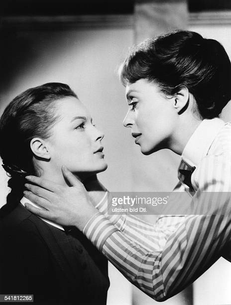 Schneider, Romy - Actress, Germany - *-+ Scene from the movie 'Maedchen in Uniform' - with Lilli Palmer Directed by: Geza von Radvanyi Germany /...