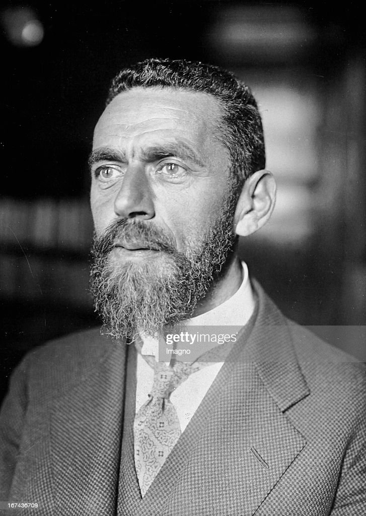 Scholar Eugen Mittwoch (1876-1942 London); one of the founders of modern Islamic studies in Germany. About 1925. Photograph. (Photo by Imagno/Getty Images) Der Gelehrte Eugen Mittwoch (18761942 London); einer der Begründer der modernen Islamwissenschaften in Deutschland. Um 1925. Photographie.