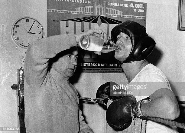 Scholz Gustav 'Bubi' *Boxer D mit Trainer Lado Taubeneck 1958