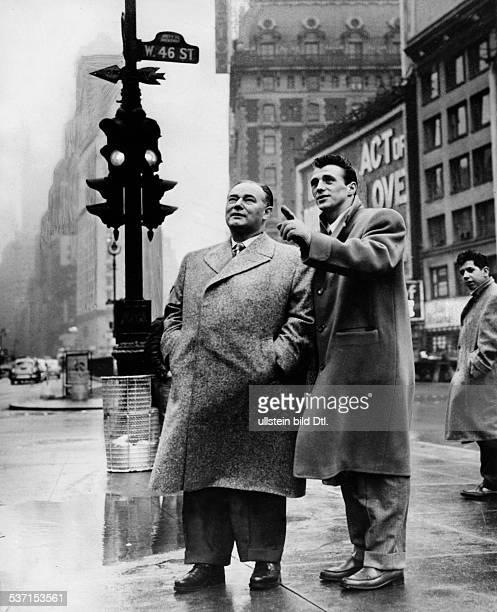 Scholz Gustav 'Bubi' Boxer D mit Manager Fritz Gretzschel in New York 1954