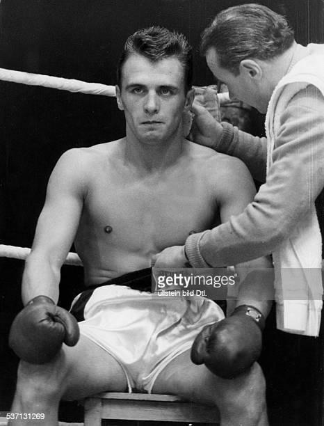 Scholz Gustav 'Bubi' Boxer D mit Trainer Lado Taubeneck 1959