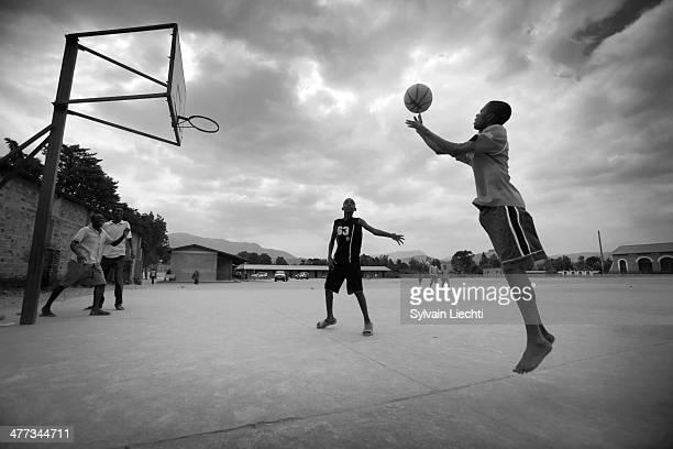 School boys playing basketball in Nyanza, the 23rd of july 2010 Makamba province, Burundi. © Sylvain liechti