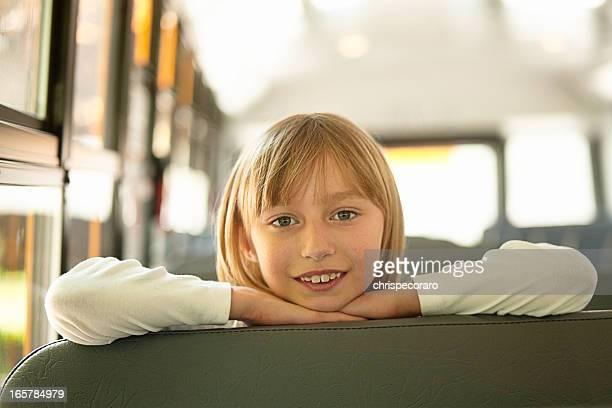 Chica autobús de colegio