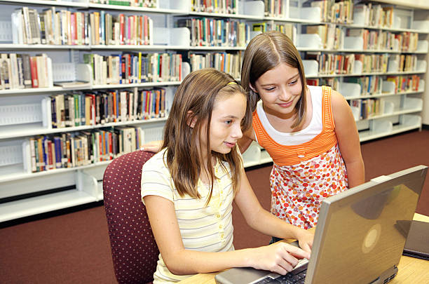 online school projects Online school fees system which will manage school fees collection process and make it automated as well accurate to download mini projects with source code, java projects with source codes.