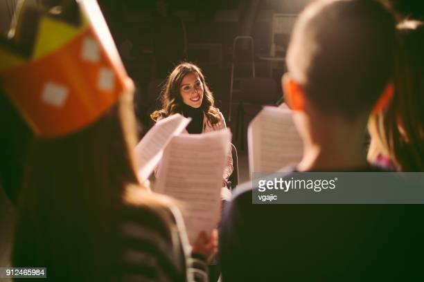 school play rehearsal - acting performance stock pictures, royalty-free photos & images