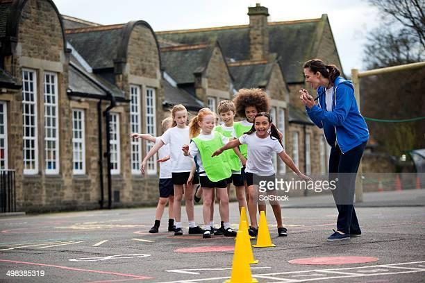 学校のスポーツ - sports uniform ストックフォトと画像