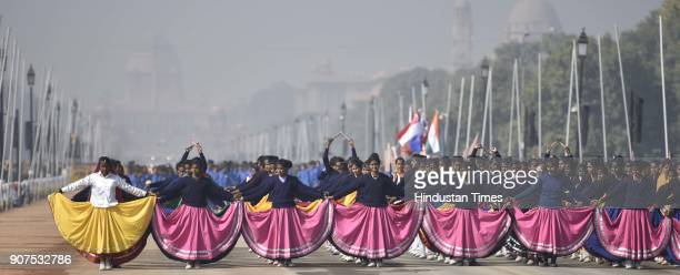 School Students rehearse during the rehearsals for Republic Day 2018 at Rajpath on January 20 2018 in New Delhi India