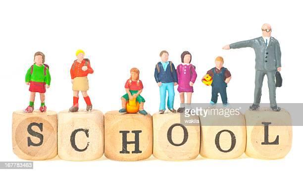 school Wort mit Schüler und Lehrer