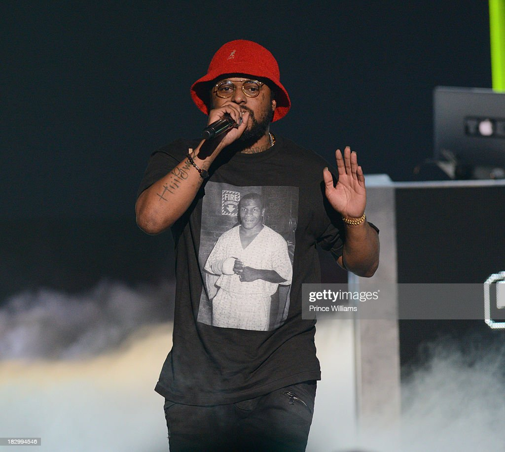 Schoolboy Q performs during the BET Hip Hop Awards 2013 at the Boisfeuillet Jones Atlanta Civic Center on September 28, 2013 in Atlanta, Georgia.